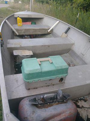 12ft deep v aluminum boat for Sale in Clio, MI