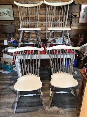 Dining table and four comfortable moose head Windsor chairs for Sale in Grape Creek, TX