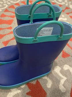 Cat And Jack Kids Rain Boots Size 10 for Sale in Glendora,  CA