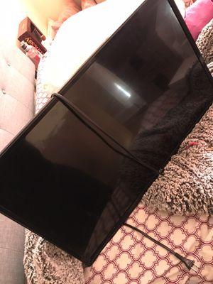 32 inch TCL ROKU TV for Sale in Philadelphia, PA