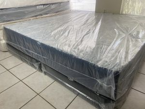 New King Memory Foam Mattress Boxsprings FREE DELIVERY for Sale in TWN N CNTRY, FL