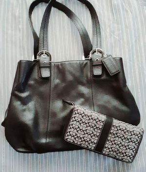 Coach bag and wallet for Sale in Tigard, OR