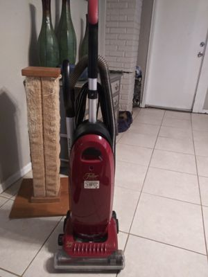 Fuller Brush Company vacuum. SERIOUS INQUIRIES ONLY for Sale in Tampa, FL