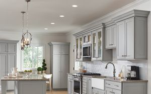 Kitchen Cabinets Modern and Classic 8' Feet $2700 for Sale in Miami, FL