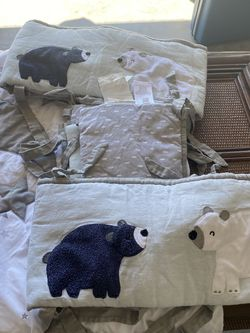 Crib Blanket And Bumpers Can Be Used For Girl Or Boy White And Gray for Sale in Lehigh Acres,  FL