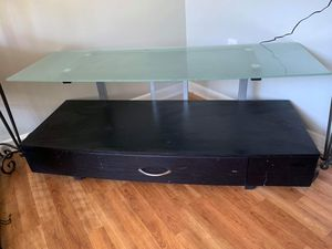 Glass top tv stand for Sale in Middle Valley, TN