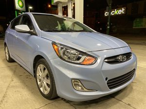 2012 Hyundai Accent SE Hatchback for Sale in Chicago, IL