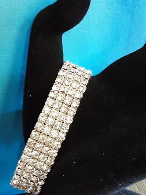 New Cool Jewels silvertone and crystal stretch bracelet for Sale in Fullerton, CA
