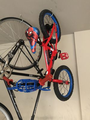Spider man bike and matching helmet for Sale in Dublin, OH