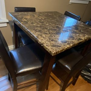 Faux marble top dinette with High Stools for Sale in Queens, NY