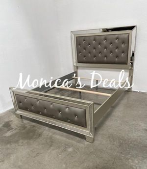 Queen size mirror bed frame $320 for Sale in Huntington Park, CA