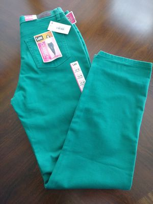 Women's jeans NEW for Sale in Lincoln, CA