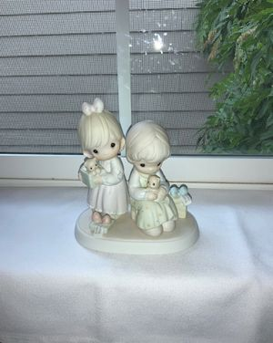 "PRECIOUS MOMENTS ""To A Very Special Sister"" 1993 Porcelain Figurine for Sale in Beaverton, OR"