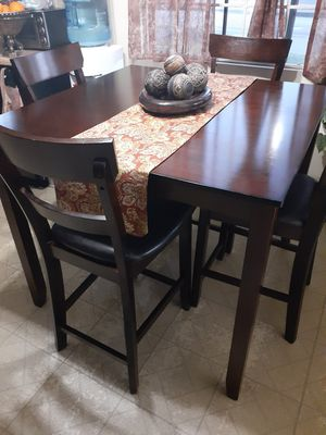 Dining table for Sale in Westminster, CA