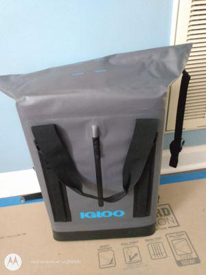 wade welder igloo backpack cooler for Sale in Brentwood, NC