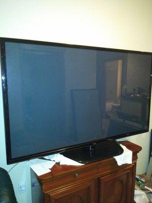 60 LG 60PZ550 TruSlim 3D SMART Plasma TV for Sale in Tacoma, WA