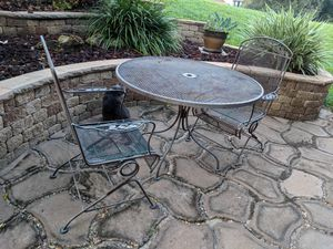 Wroght iron patio furniture for Sale in Clermont, FL