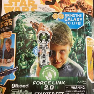STAR WARS FORCE LINK 2.0 STARTER SET for Sale in Silverado, CA