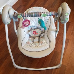 Ingenuity Soothe 'n Delight Portable Baby Swing - Cozy Kingdom - Works Great for Sale in Henderson, NV