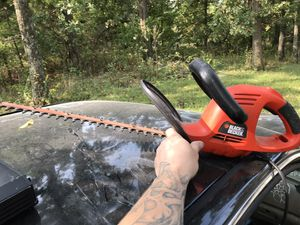 Black and decker electric hedge trimmer for Sale in Russellville, MO