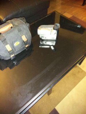 Canon ES8400v 8mm Video Camcorder for Sale in Detroit, MI