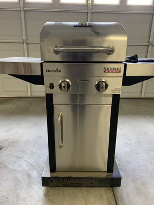 Char-Broil TRU-Infrared 2-Burner Gas Grill w/ extras! for Sale in Fresno, CA