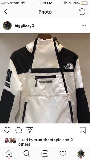 Supreme north face for Sale in Clarksburg, MD