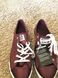 converse women's size 11 for Sale in Columbus,  OH
