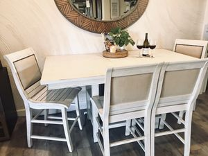 Castagnier Extendable Dining Set for Sale in Lompoc, CA
