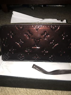 Louis Vuitton wallet for Sale in Young, AZ