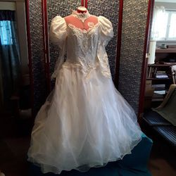 Ball room style wedding dress with chapel length train for Sale in Wichita,  KS