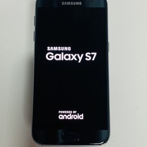 Samsung Galaxy S7 32gb Unlocked for Sale in Chelsea, MA
