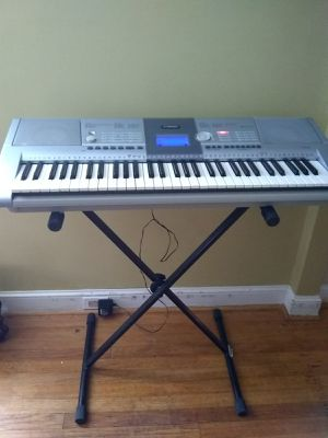 Yamaha keyboard for Sale in New Britain, CT