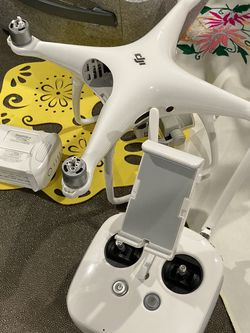 DJI PHANTOM 4 PRO for Sale in Los Angeles,  CA