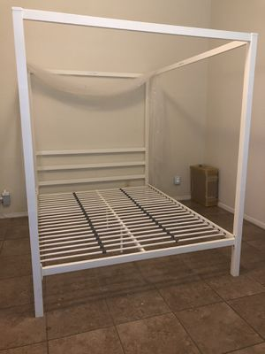 Bed Frame for Sale in Rancho Linch, MX