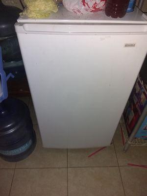 Mini fridge for Sale in Canutillo, TX