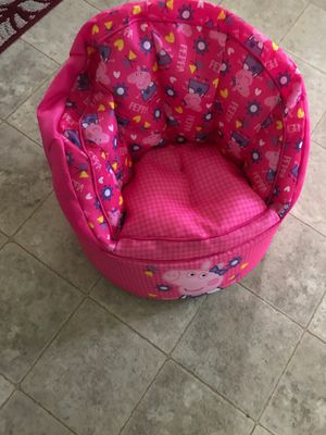 Props pig kids chair for Sale in Apopka, FL