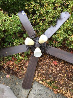 Ceiling fan for Sale in Atlanta, GA