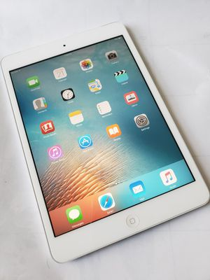 iPad Mini, UNLOCKED , Usable with Wi-Fi and all Company carrier Cellular for Sale in Springfield, VA