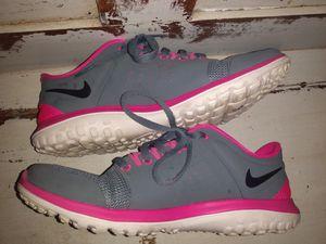 Nike sneakers Women's sz 6.5 for Sale in Port St. Lucie, FL