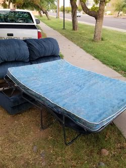 Vintage Couch W/ Never Used Pull-Out Bed for Cheap! for Sale in Phoenix,  AZ