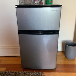 Insignia Mini Fridge for Sale in Spokane, WA