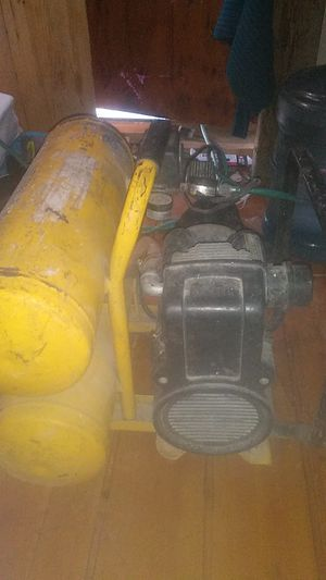 Compressor and finish nail gun for Sale in Las Vegas, NV
