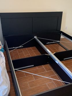 King Bed Frame With Slats And Storage Drawers for Sale in Winter Garden,  FL