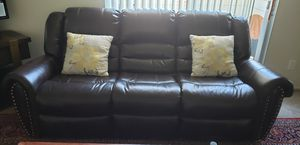 3 piece sofa for Sale in Modesto, CA