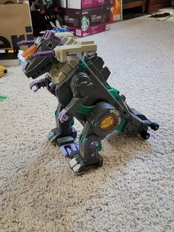 Transformers G1 Trypticon for Sale in Seattle,  WA