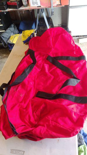 Red zip up duffle bag for Sale in Redmond, WA