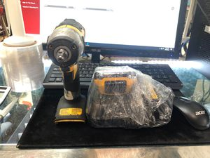 Dewalt Impact Wrench 3/8 w/Charger for Sale in Hialeah, FL