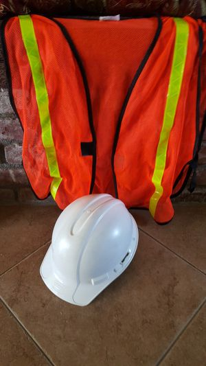 Safety hard hat and vest for Sale in Clovis, CA