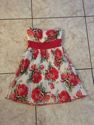 Small Trixxi strapless floral fit & flare dress for Sale in Houston, TX